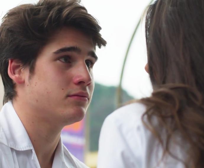 Rodrigo sugere que eles namorem escondidos (Foto: TV Globo)