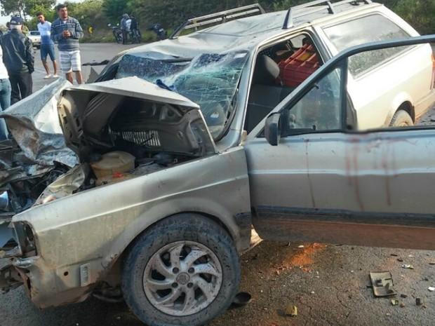 Acidente ocorreu na BA-142, entre Barra da Estiva e Ibicoara (Foto: Site Destaque Bahia)