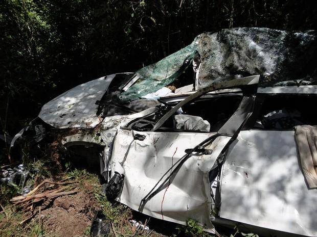 Veículos seguiam em direção a Lages quando acorreu acidente com 4 mortes na manhã desta quarta. (Foto: PRF/Divulgação)