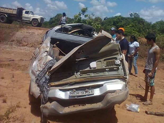Carro do governo do Amapá que transportava equipe da Comunicação (Foto: Reprodução/Facebook)