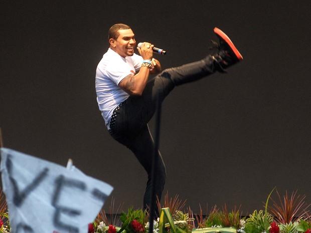 O funkeiro Naldo se apresenta no palco montado na Cinelândia  (Foto: Alexandre Durão/G1)
