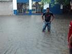 Chuva invade casas, alaga ruas e interdita ponte no noroeste do PR