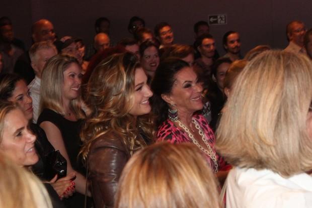 Sasha com a avó paterna Beth Szafir, na plateia após a estreia d eLuciano Szafir no Rio (Foto: Claudio ANdrade/Fotorionews)