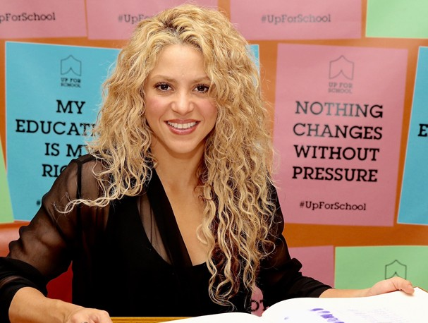 NEW YORK, NY - SEPTEMBER 24:  Shakira delivers the #UpForSchool petition, with 10 million signatures of people who over the last year have stood up for the 59 million children around the world currently denied an education on September 24, 2015 in New Yor (Foto: Getty Images for #UpForSchool)