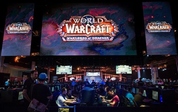 Fãs da Blizzard jogam 'World of Warcraft' na BlizzCon 2014; edição teve como destaque a revelação de 'Overwatch' (Foto: Divulgação/Blizzard)