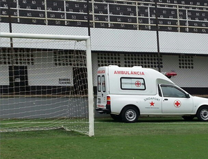 ambulancia vila belmiro gramado (Foto: Arnaldo Hase / Divulgação)