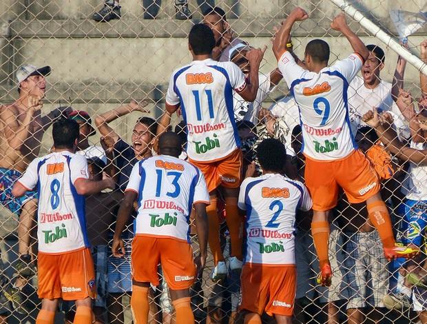 Jogadores do Duque de Caxias vibram com vitória sobre o Caxias-RS (Foto: Vitor Costa/Divulgação Caxias)