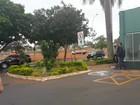 Extraditado da Itália, Pizzolato desembarca no aeroporto de Brasília