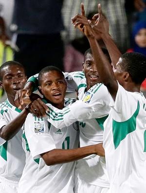 Musa Yahaya comemoração Nigéria final Copa do Mundo sub-17 (Foto: AP)