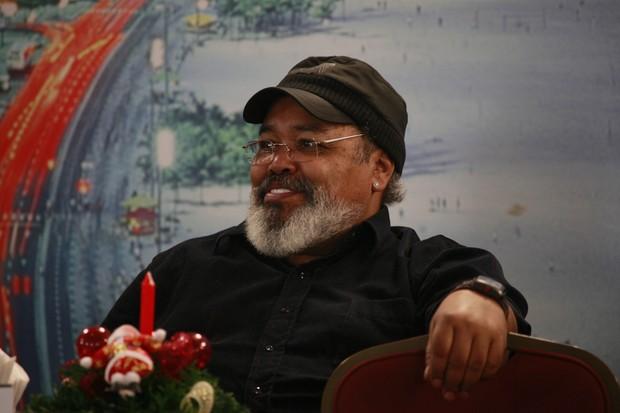 Jorge Aragão na gravação do programa Samba de Primeira (Foto: Isac Luz / EGO)