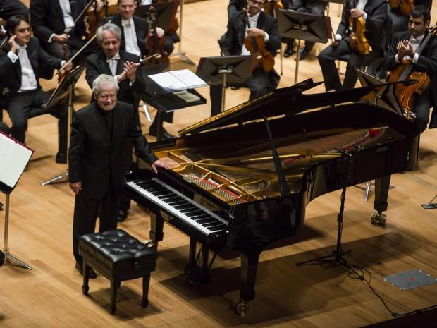 Nelson Freire durante apresentação com a Filarmônica de Minas Gerais (Foto: Rafael Motta)