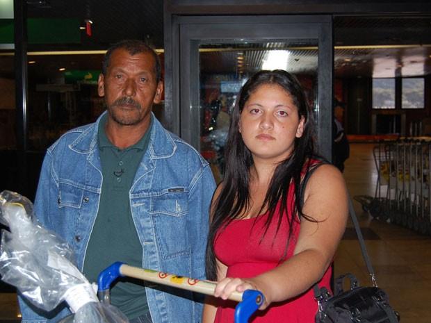 José Damião viajou com a filha Luana da Silva (Foto: Priscila Miranda/G1)
