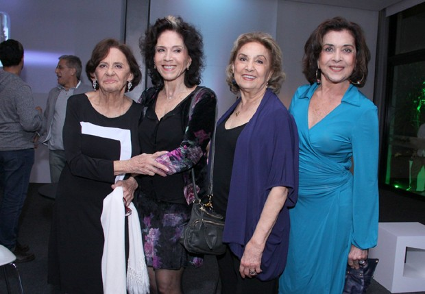 Laura Cardoso, Yoná Magalhães, Eva Wilma e Betty Faria (Foto: Alex Palarea/AgNews)