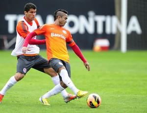 inter ednei lateral jorge henrique (Foto: Alexandre Lops/Divulgação Inter)