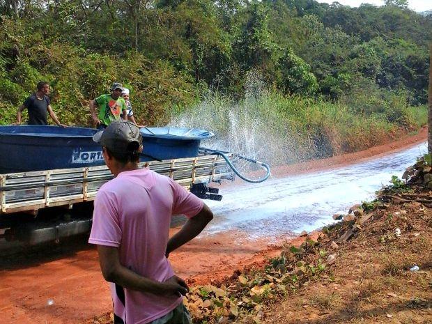 Tecnologia foi aplicada inicialmente em 300 metros do ramal que liga Plácido de Castro à Bolívia (Foto: Arquivo pessoal/Jacira Abdon)
