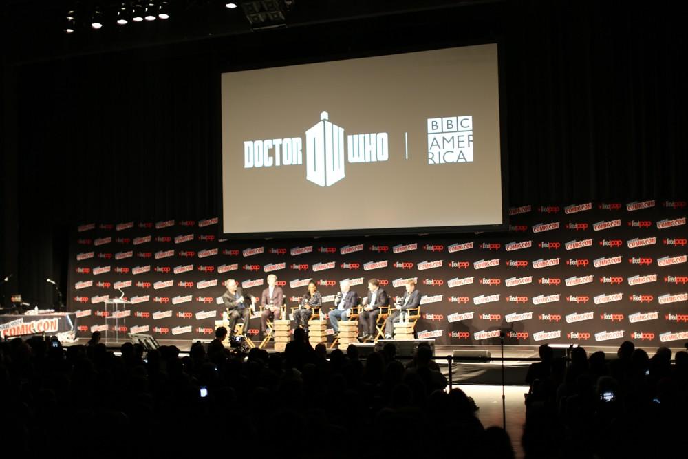 Painel da BBC na NYCC (Foto: Syfy)