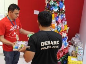 Policiais fizeram arrecadação entre servidores da delegacia (Foto: Divulgação/SSP-TO)