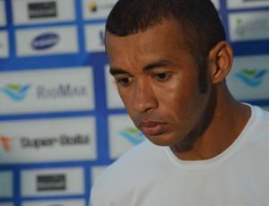 Ricardo volta ao gol titular do Confiança (Foto: Felipe Martins)