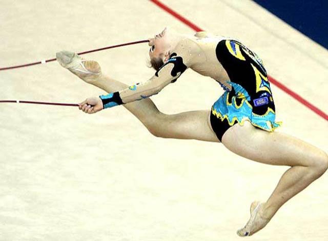 Angélica Kvieczynski no Mundial de Ginástica Rítmica (Foto: Reuters)