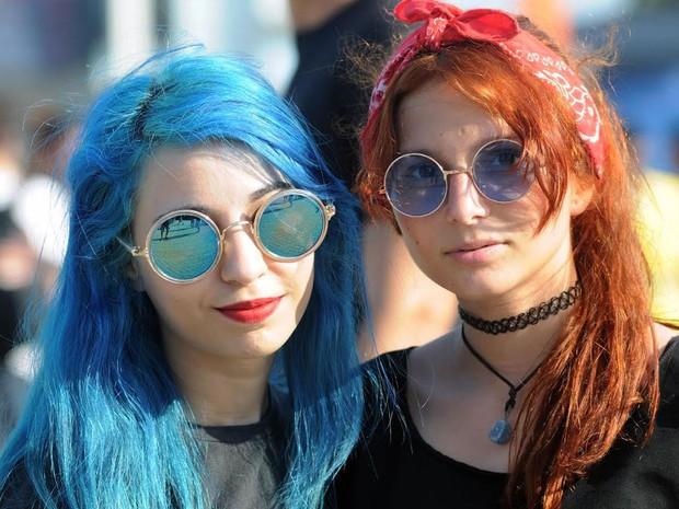 Fãs exibem cabelos coloridos no segundo dia do Rock in Rio (Foto: Alexandre Durão/G1)