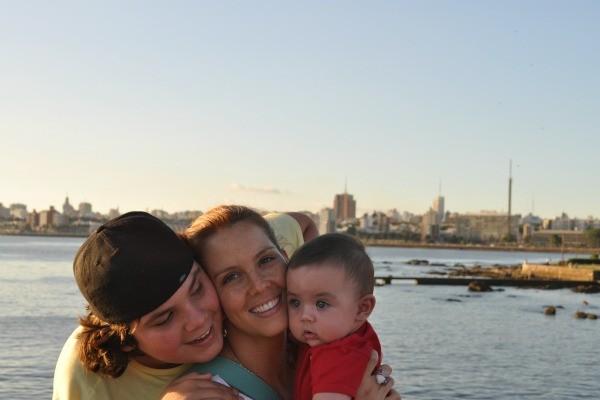 Daniela Ungaretti com os dois filhos (Foto: Arquivo pessoal)