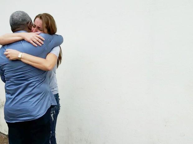 Rosana Gimenez recebe o apoio de familiares e amigos em Ribeirão Preto (Foto: Adriano Oliveira/G1)
