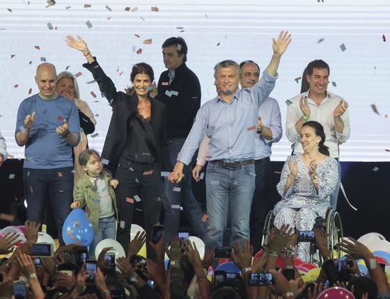 O presidente da Argentina, Mauricio Macri, depois da vitória nas eleições legislativas do último domingo (22)  (Foto: JUAN MABROMATA/AFP)