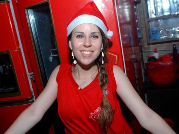 Ingrid Goldani trabalhava na danceteria Kiss, segundo o pai dela. Após sintomas de irritação na garganta, ela foi enviada a Porto Alegre, onde está internada em coma induzido (Foto: Reprodução)