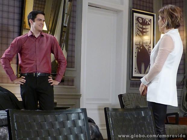 Félix se empolga e diz que vai internar Paloma em um hospício (Foto: Amor à Vida / TV Globo)