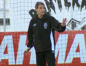 Paulo César Carpegiani técnico Ponte Preta (Foto: Carlos Velardi / EPTV)