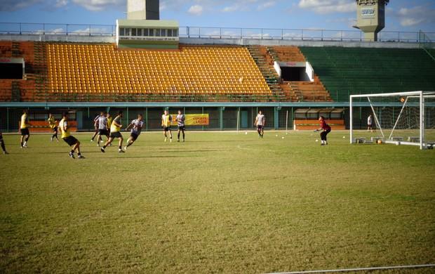 Treino do Resende no estádio do Trabalhador (Foto: Silvio Seixas/TV Rio Sul)
