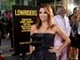 Eva Longoria, recém-casada, arrasa em première nos Estados Unidos