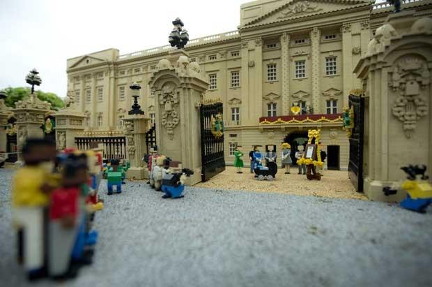 Residencia oficial dos pais de Príncipe George, o Palácio de Kensington (Foto: Joel Ryan / Invision / AP)