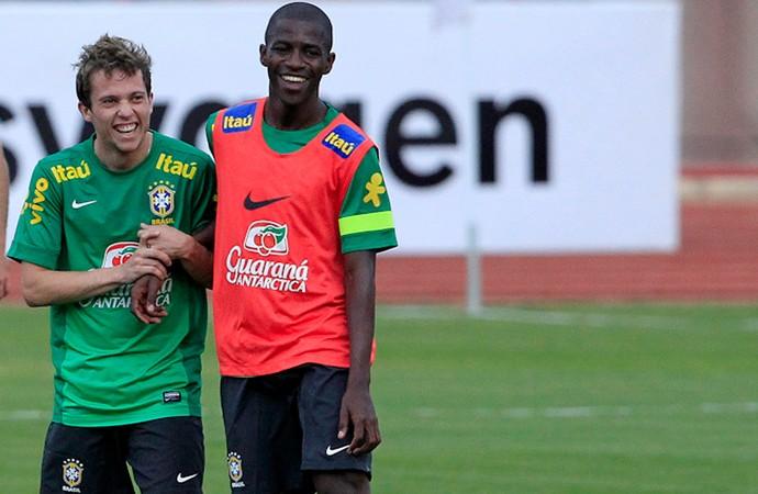 Bernard Ramires brasil treino (Foto: Bruno Spada / VIPCOMM)