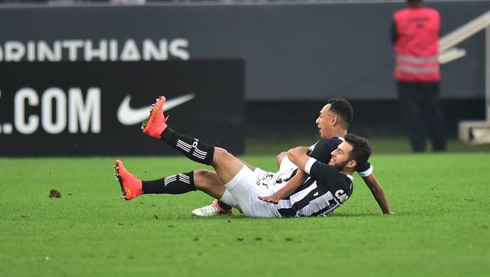 Corinthians x Figueirense Dodô (Foto: Marcos Ribolli)