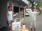 Vendedores ambulantes reclamam  de vendas fracas no 2ª dia do Enem