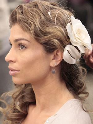Detalhe do arranjo da cabeça  (Foto: Flor do Caribe/ TV Globo)