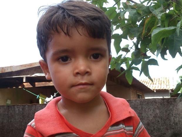 Wilquer Vaz Rodrigues, 8 anos, morreu após corte de linha com cerol em Edealina, Goiás (Foto: Samir Machado/Arquivo pessoal)