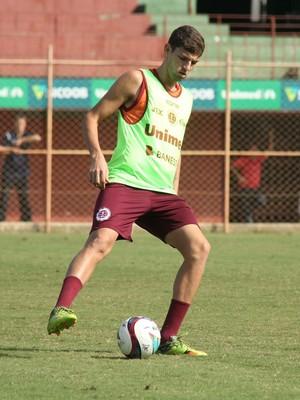 Willyan, zagueiro da Desportiva  (Foto: Henrique Montovanelli/Desportiva Ferroviária)