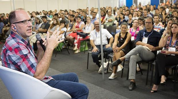 Tabet conta sua história para o público da Feira do Empreendedor SP (Foto: Reprodução / Sebrae SP)