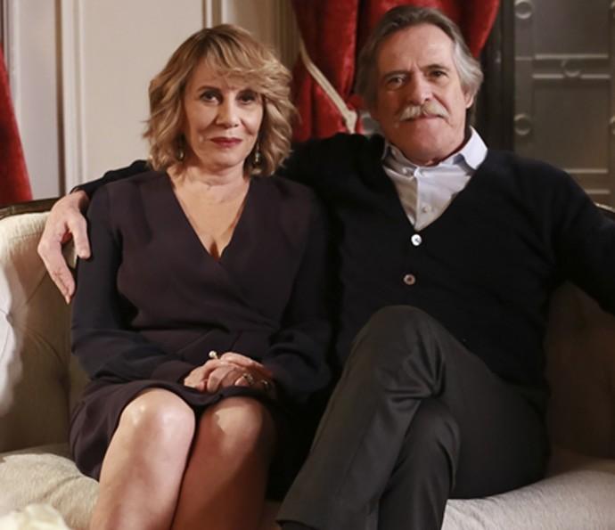Na trama de João Emanuel Carneiro, Gibson tem um casamento conturbado com Nora, interpretada por Renata Sorrah (Foto: Tata Barreto/ Globo)