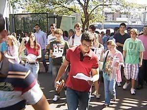 Mais de 4 mil pessoas devem fazer as provas da segunda fase da UFU (Foto: Reprodução/TV Integração)
