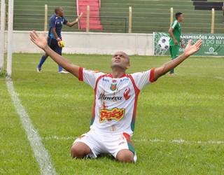 Osny comemorando gol pelo Barretos (Foto: Jânio Munhoz)