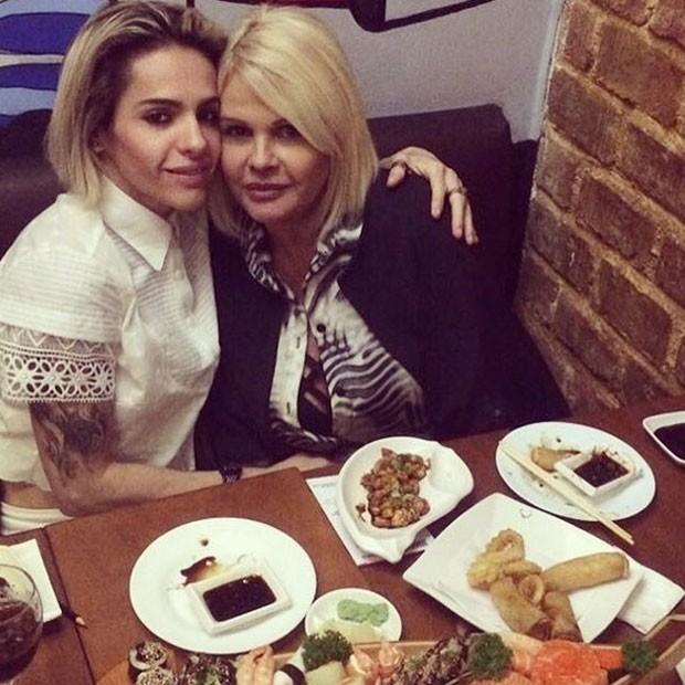 Cacá Werneck e Monique Evans em jantar a dois (Foto: Instagram/ Reprodução)