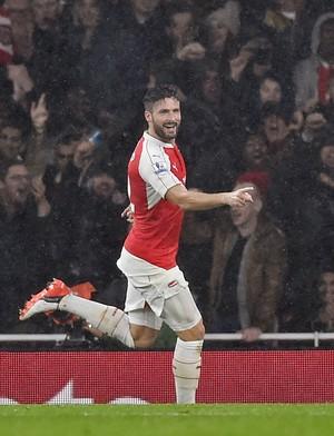 Giroud comemora o gol diante do Everton (Foto: Reuters / Dylan Martinez)
