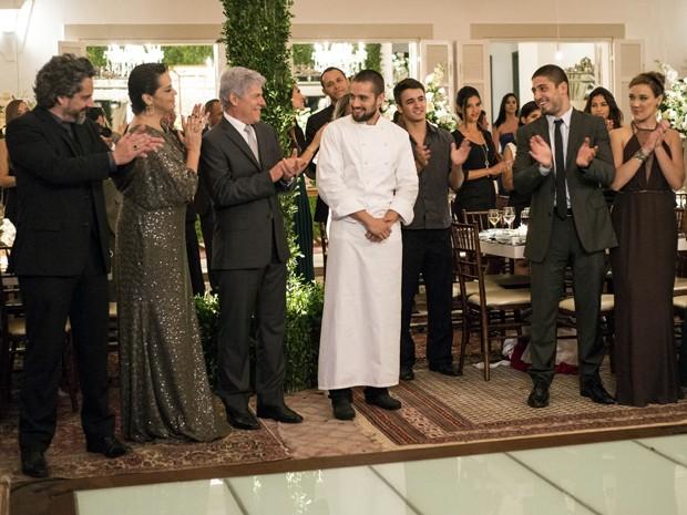 Vicente é reconhecido como uma das grandes figuras da festa (Foto: Raphael Dias / TV Globo)