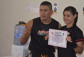 Nilziane Cirino e Paulo Cirino Muay Thai Santarém (Foto: Gustavo Campos/GloboEsporte.com)