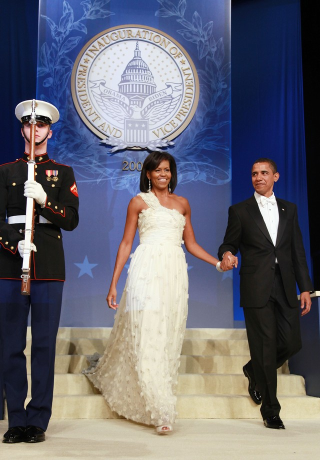 Michelle Obama usa Isabel Toledo no baile de gala da posse do primeiro mandato de Barack Obama (Foto: Getty Images)