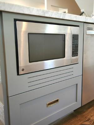 Atualmente, o forno é até objeto de decoração na cozinha (Foto: Flavio Flarys / G1)
