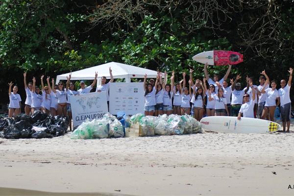 Dia Mundial de Limpeza em Angra dos Reis em 2012 (Foto: Divulgação Publitana)